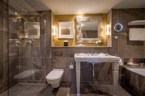 Bathroom in the Twin Suite @ Dromoland Castle Hotel © David Cantwell Photography