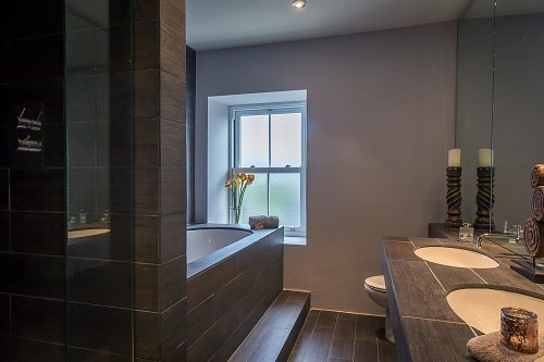 B&B Bathroom - Interiors Photographer © David Cantwell Photography
