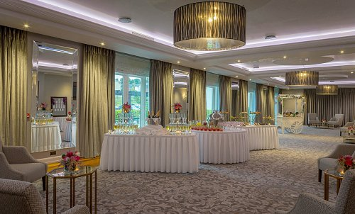 Breakout Area - Staged for Wedding Drinks Reception @ The Charleville Park Hotel © David Cantwell Photography