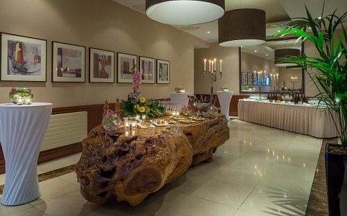 Breakout Area - Staged for Food & Drinks Reception @ The Kingsley Hotel © David Cantwell Photography