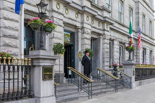 Porter @ Hotel Meyrick Entrance Exterior © David Cantwell Photography