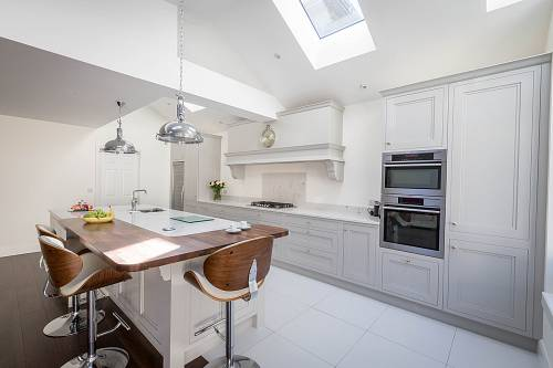Mayfair Hand Painted Kitchen @ Nolan Kitchens - Interiors Photographer © David Cantwell Photography© David Cantwell Photography