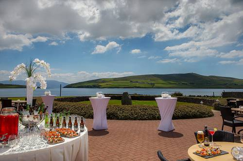Outdoor Drinks Reception @ The Dingle Skellig hotel © David Cantwell Photography