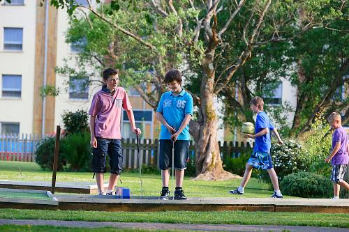 Boys Playing Mini Golf @ The Quality Hotel Kerry © David Cantwell Photography