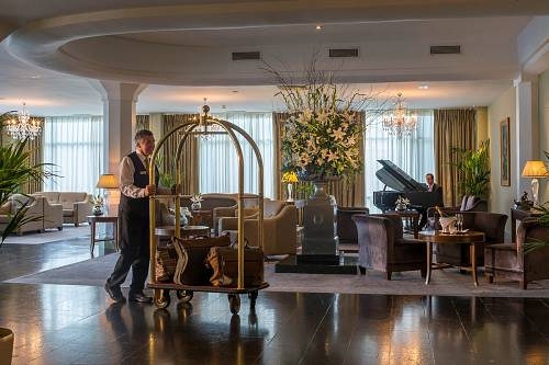 The Lobby @ The Newpark Hotel © David Cantwell Photography