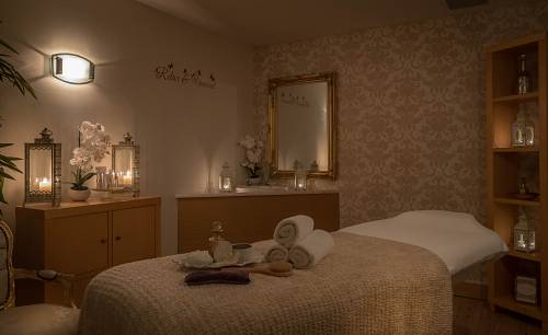 Treatment Room @ Clonmel Park Hotel - Hotel Spa Photographer © David Cantwell Photography